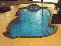<div class='closebutton' onclick='return hs.close(this)' title='Close'></div><div class='firstH'><img src='images/logo-white-small.png'></div><h1>Free Form Fiberglass Pool</h1><p>Free Form - Gulf Coast Fiberglass Pool #003 by Stoker Pools</p><div class='getSocial'><h1>Share</h1><p class='photoBy'>Photo by Stoker Pools</p><iframe src='http://www.facebook.com/plugins/like.php?href=http%3A%2F%2Fstokerpools.com&send=false&layout=button_count&width=100&show_faces=false&action=like&colorscheme=light&font&height=21' scrolling='no' frameborder='0' style='border:none; overflow:hidden; width:100px; height:21px;' allowTransparency='true'></iframe><br><a href='http://pinterest.com/pin/create/button/?url=http%3A%2F%2Fwww.stokerpools.com&media=http%3A%2F%2Fwww.stokerpools.com%2Fimages%2Fgalleries%2Fconcrete%2Fwm%2Fconcrete-pool-by-stoker-pools-001.jpg&description=Pools' data-pin-do='buttonPin' data-pin-config=\'above\'><img src='http://assets.pinterest.com/images/pidgets/pin_it_button.png' /></a><br></div>